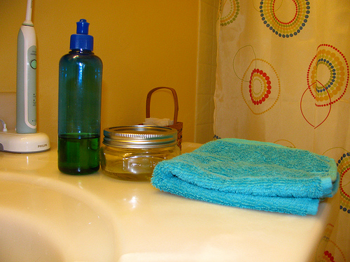 how to use oil cleansing method