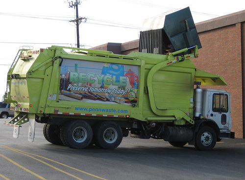 recycling truck by Hugo90 on Flickr