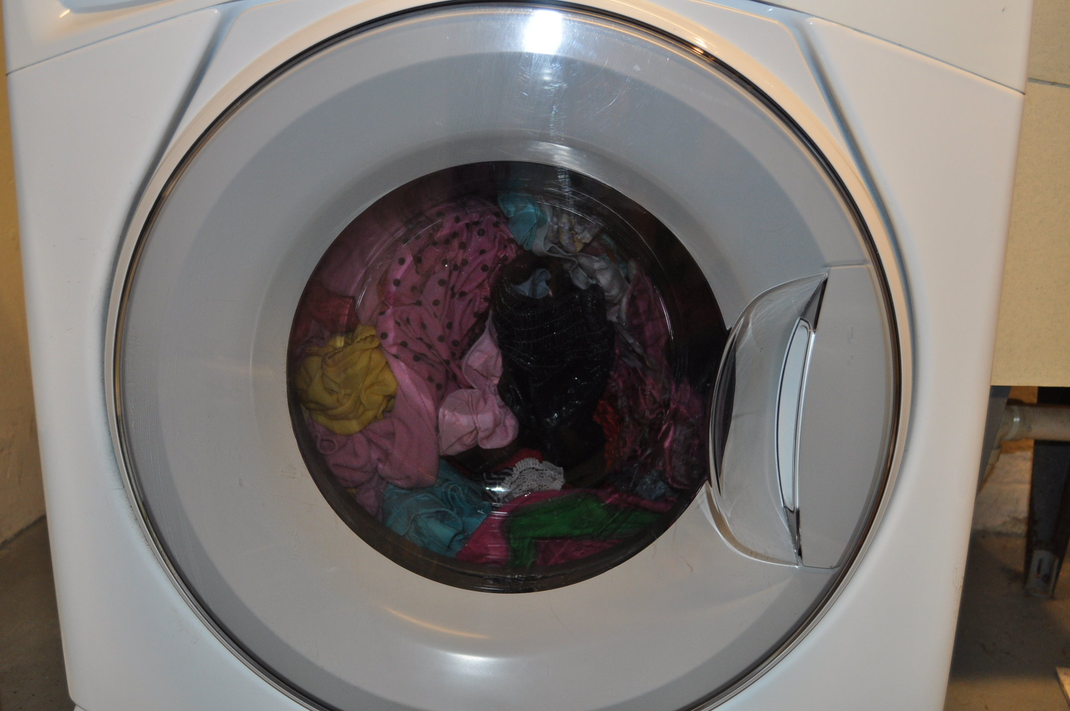 How to Catch Up on Dirty Laundry pictures