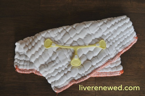 cloth diapering a newborn: prefolds & fitteds