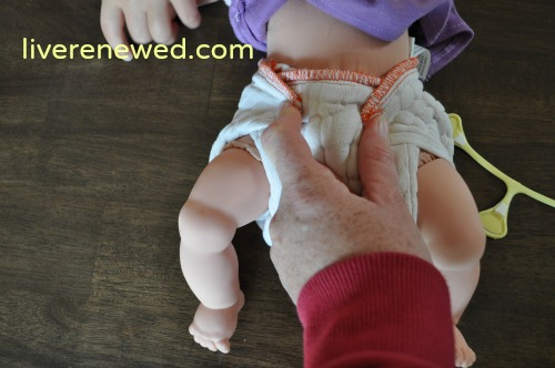 how to put a prefold on a baby