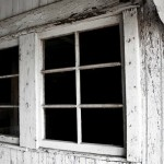 Green in 365: The Living Room – Lead Paint on Windowsills