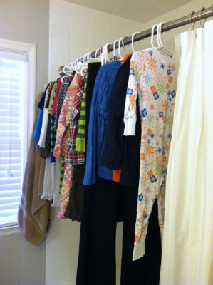 how to hang clothes to dry indoors
