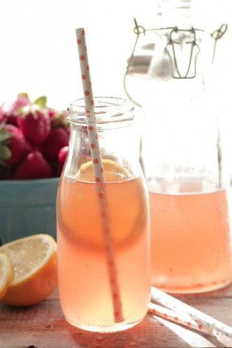 Berry lemonade homemade kombucha from livesimply.me