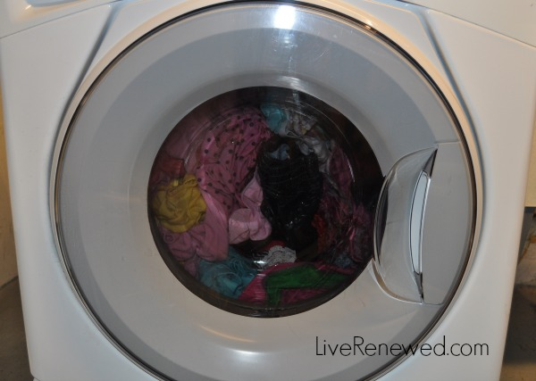 Catch up on laundry and create a system that works in just a week! at LiveRenewed.com
