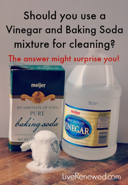 Homemade cleaner using vinegar and baking soda homemade for Vinegar bathroom cleaner